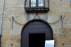 """Inauguración de la exposición \""""Romerías navarras al Castillo de Javier\"""", en el Palacio de los Mencos de Tafalla"""