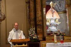 Oración de los jóvenes con nuestro Sr. Arzobispo