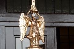 Visita del Ángel de Aralar en el mes de abril