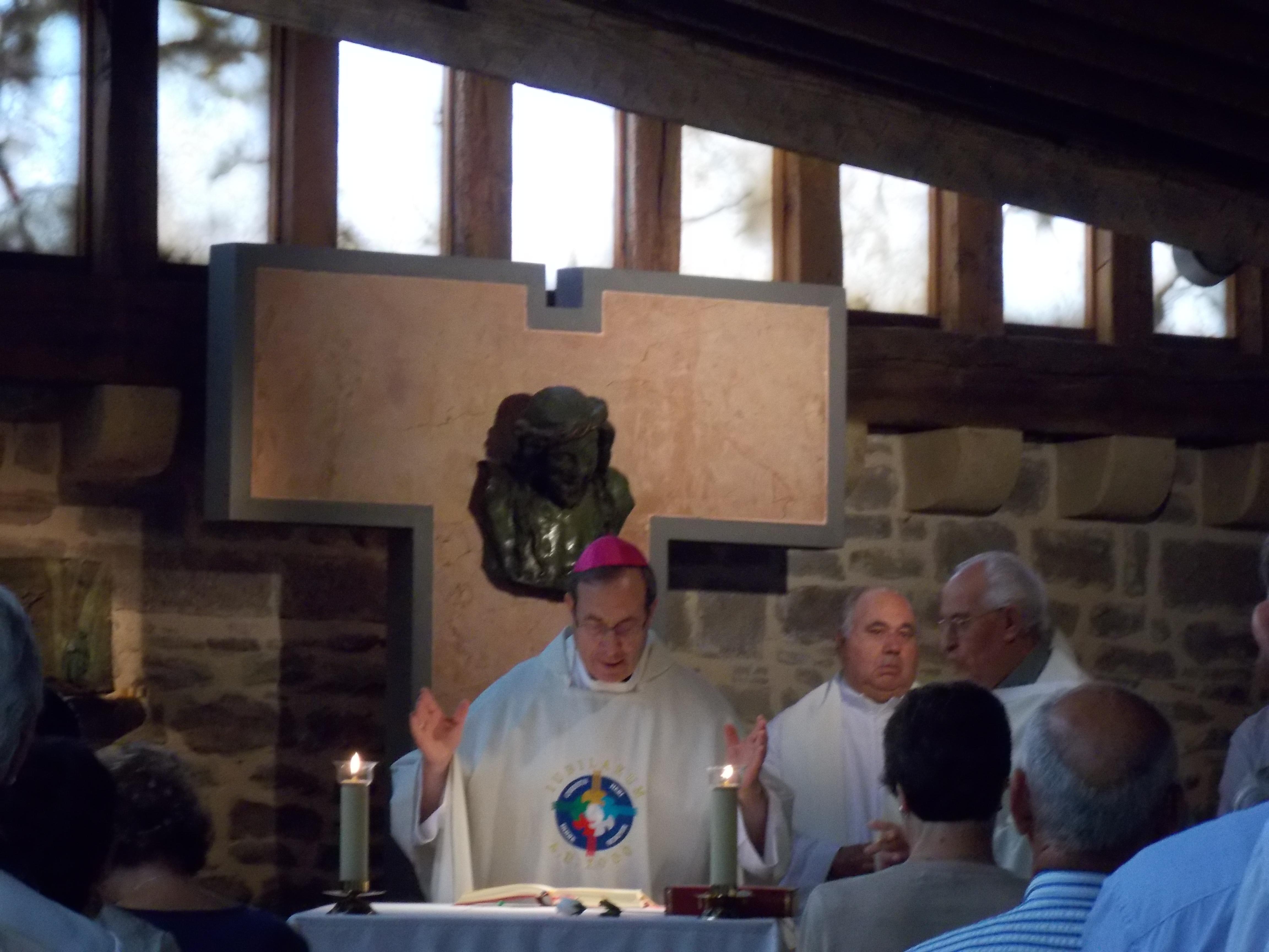 misa en la capilla del castillo