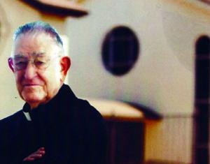Padre Luis Urriza Tres